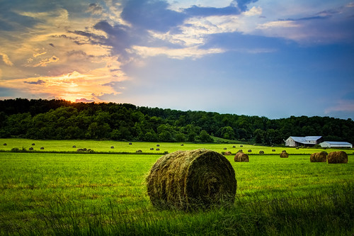 sunset beautiful barn canon landscape outside rebel round hay hdr haybales t3i jasonmanion canonrebelt3i