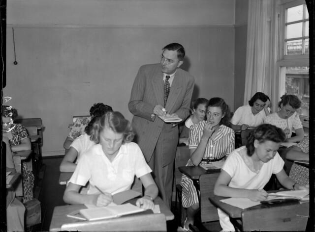 09-11-1949_06528A Max Euwe in de klas