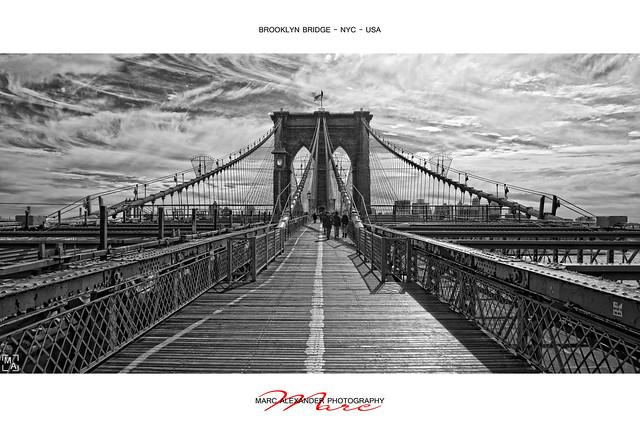 Brooklyn Bridge - B&W [2x1]