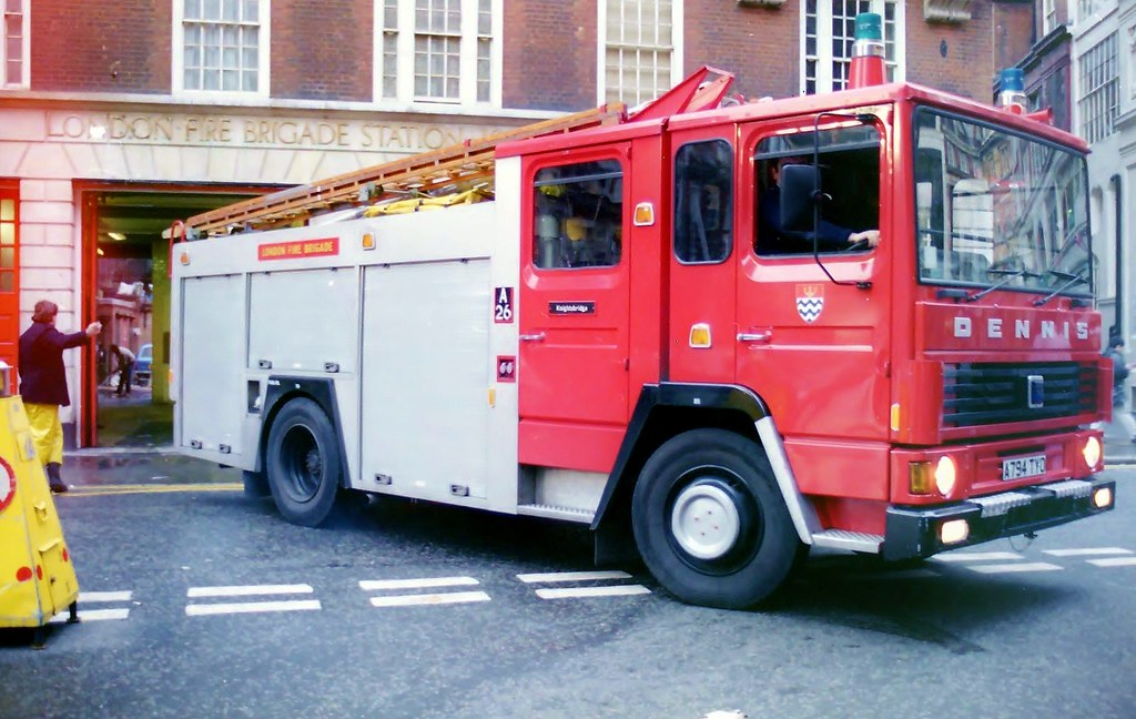 London Fire Brigade Dennis  SS131 from Knightsbridge