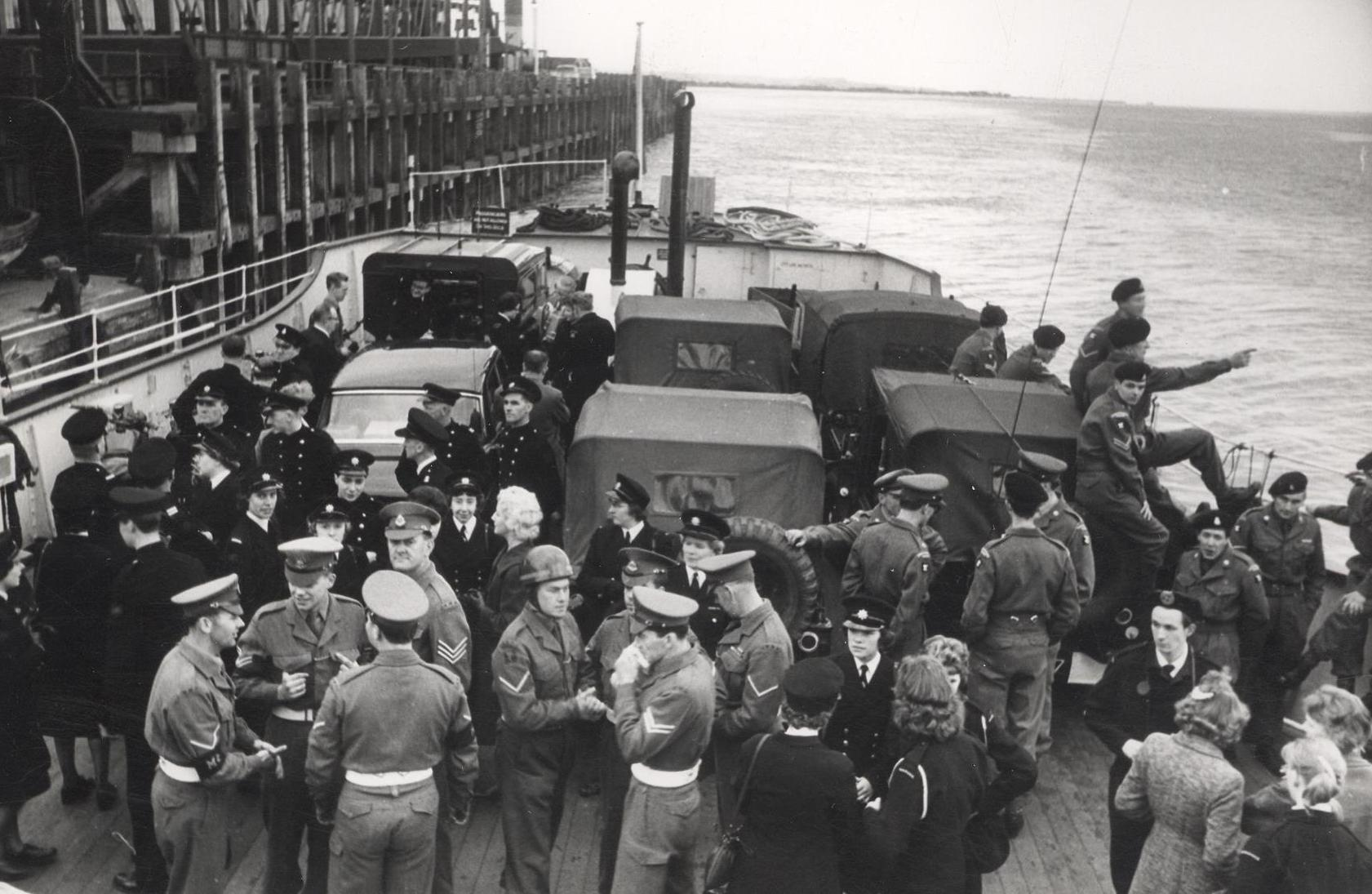 Civil defence personnel leave Hull on the Humber ferry 28 May 1961 (archive ref CD-103) (31)