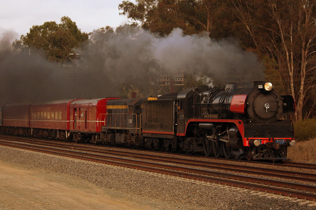R707 and T413, Dysart by LC501