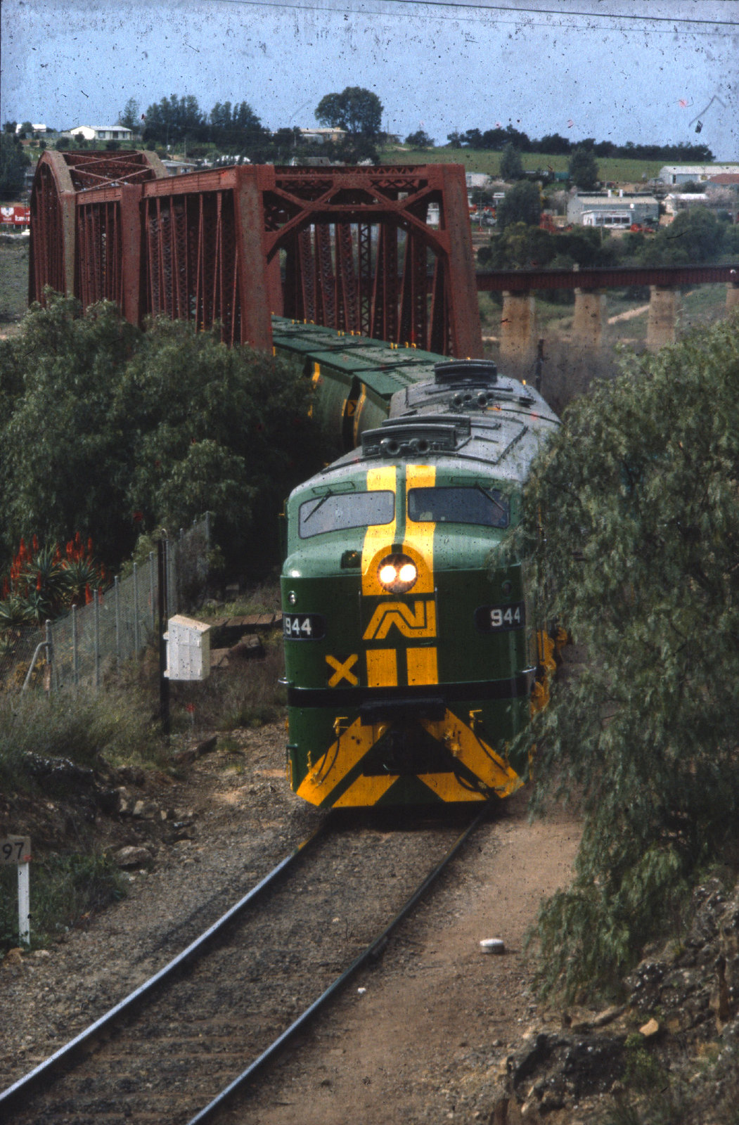Murray Bridge -  loco 944 on grain train - AN# BT-8-17 by Chris