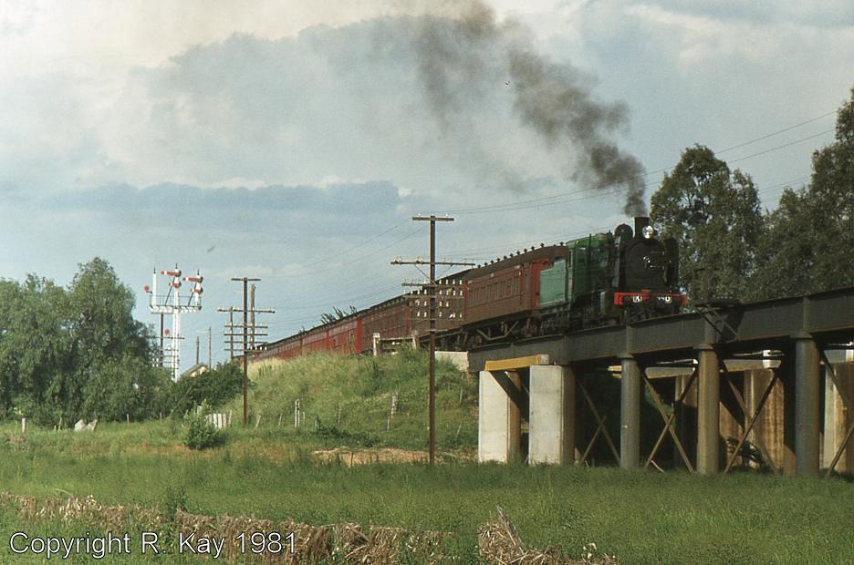K-190 on Broken River bridge at Benalla by Robert Kay