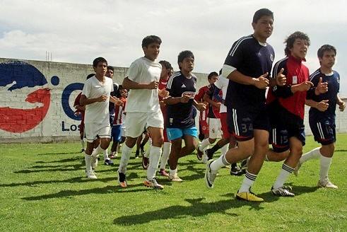 Beneficioso campo de pruebas en Chivas Los Ángeles Soccer Fotografía Departamento de Prensa Chivas Los Ángeles Soccer –EDICIÓN Y RETOQUE- Mv Fotografía Profesional / www.pueblaexpres.com