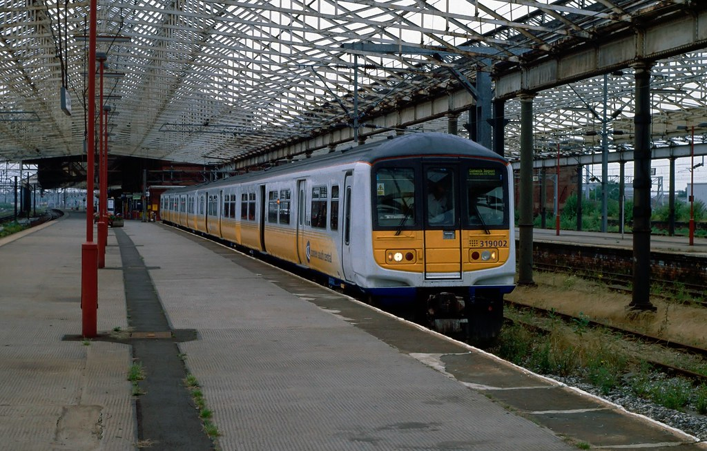 CSC EMU 319 002 at Rugby. 1998.