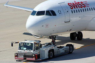 Airbus A320-200 Swiss International Airlines | by Schiefi