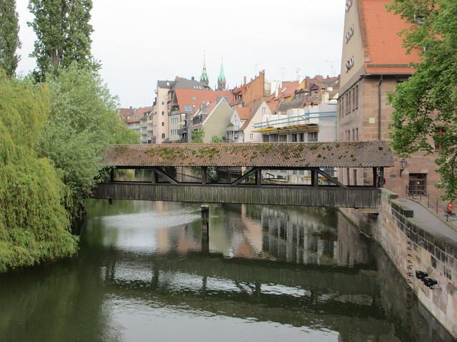 Henkersteg footbridge, Pegnitz River, Nuremberg, Germany