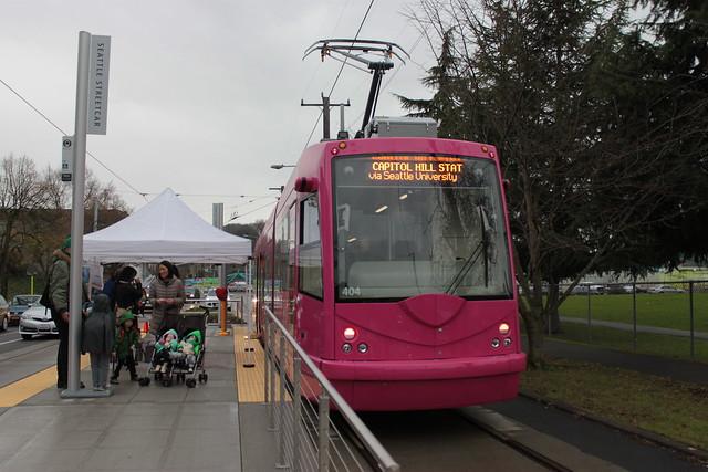 Streetcar 404 at 14th & Washington