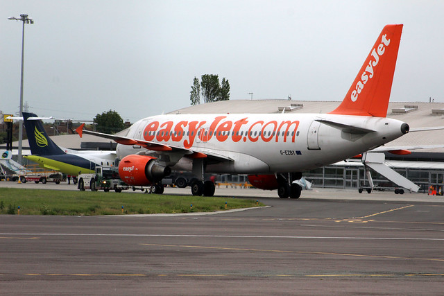 G-EZBY Airbus A319-111 easyJet