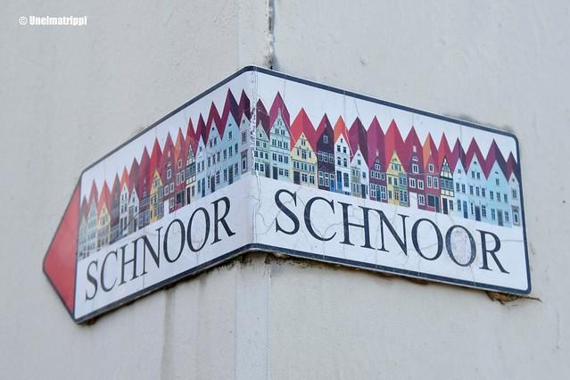 Schnoor-kyltti talon kulmalla
