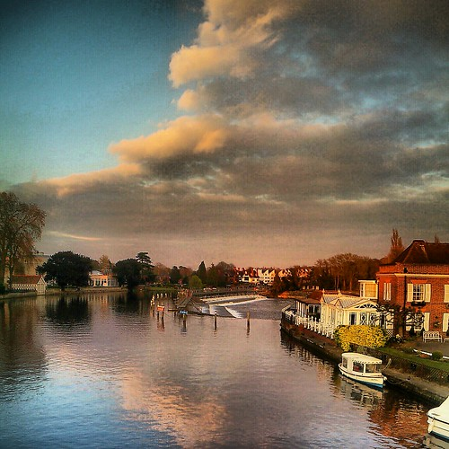 uk houses sunset england sky color colour water thames clouds reflections river boats colorful waterfront britain lock sony rapids filter locks colourful effect hdr android marlow edit waterway overcooked hdrlike maistora xperia picsay instagram xperias
