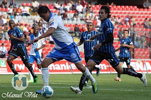 IMG_0284 El Puebla FC derrota 1-0 a Gallos Blancos de Querétaro J13 TC2012 partido disputado en el Estadio La Corregidora por Mv Fotografía Profesional – Manuel Vela / www.pueblaexpres.com