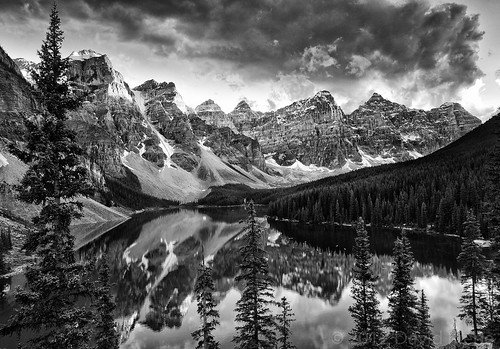 Moraine Lake, Banff National Park, Alberta | by davidkiene
