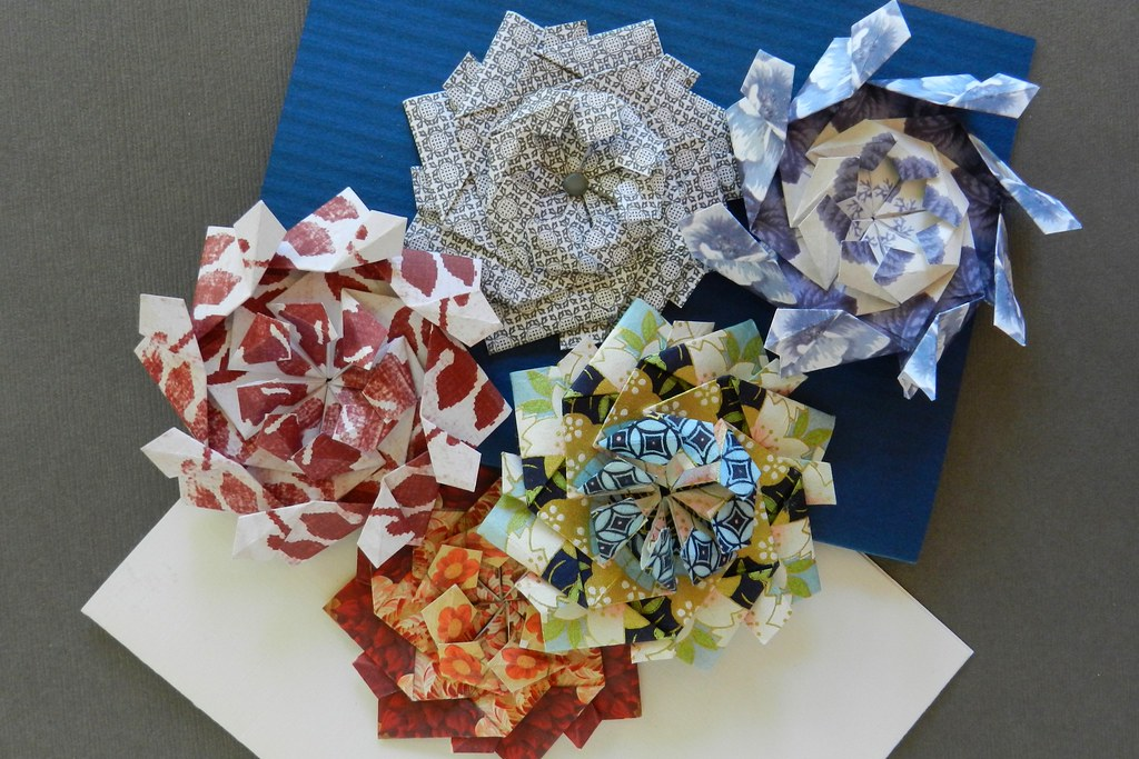 Tea Bag Folding: Waterbomb Fold | 683x1024