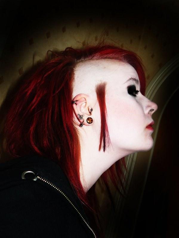 Red Shaved Sidecut Dmnqdavinci Flickr