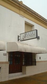 Horel Avenida in front of the RailwatStation Zarate, trin trip from Bs As, Villa Ballester, ........
