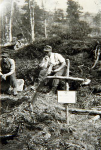 Venner og fiender begravd sammen etter Himmelfartskommandoen