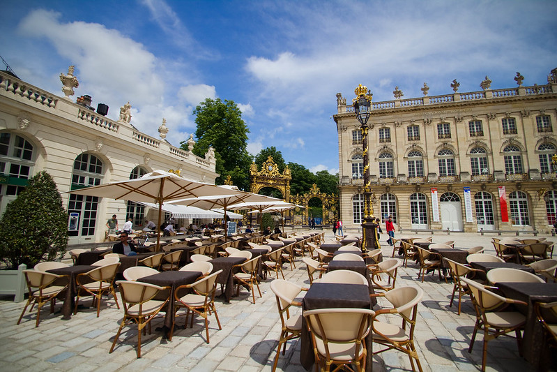 Place Stanislas : les cafés se remplissent