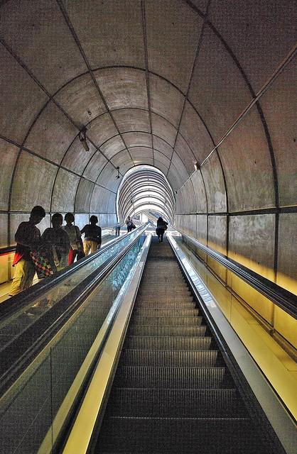 15 Metro Bilbao N. Foster 2585