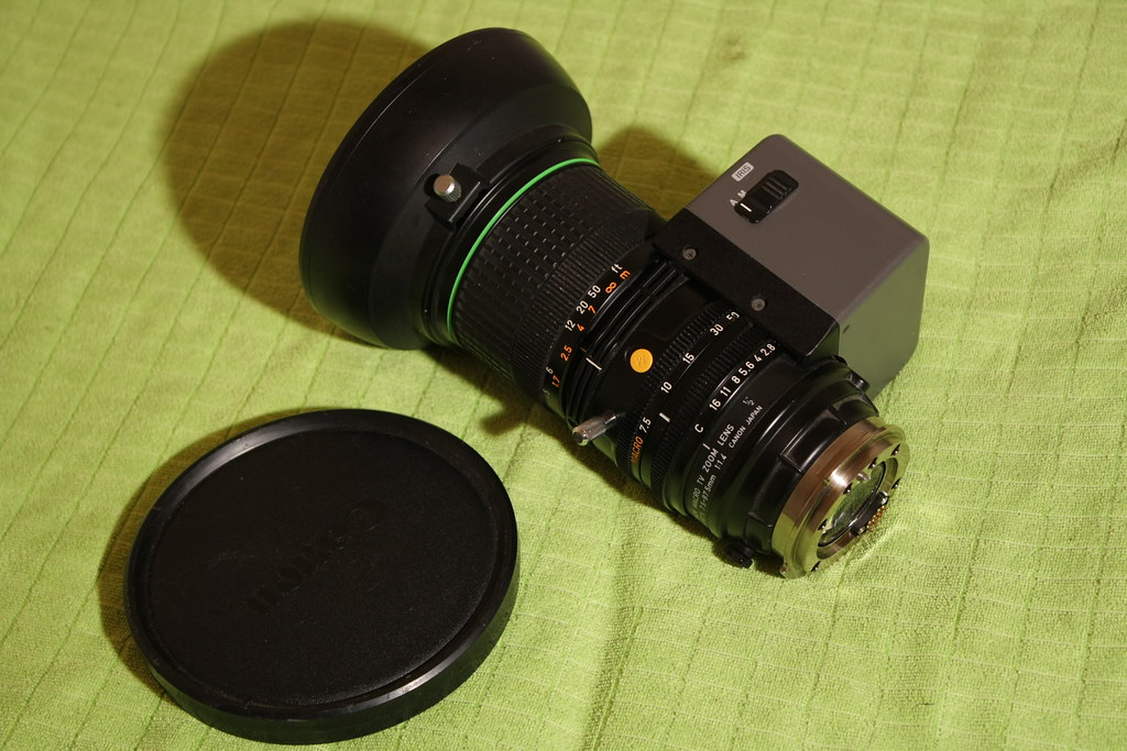 Canon Macro TV ZOOM LENS can fitted on the Canon EOS 60D