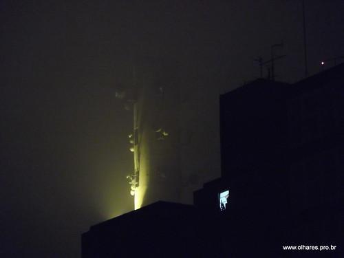 Noite de neblina em Jaguaré SP | by @profjoao