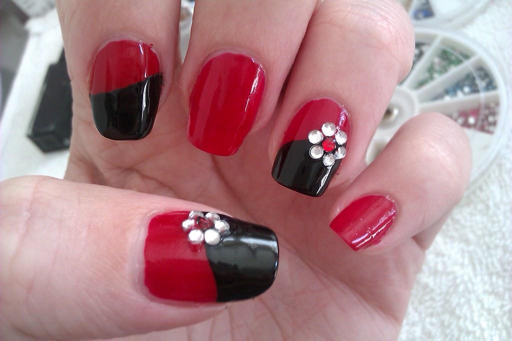 Simple DIY Nail Art Designs Easy Red and Black Nail Desig