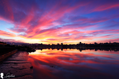 clouds sunrise canon eos taiwan taipei 台灣 台北 雲 skyfire 2016 日出 倒影 ef1740 火燒雲 色溫 晨彩 eos5d2 忠孝碼頭