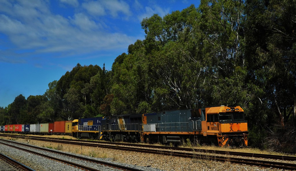 Train 3MA3 Melbourne to  Adelaide Freight by Rodney S300