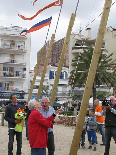 Bateig de les barques. Izada del gallardet de Mar Mitic