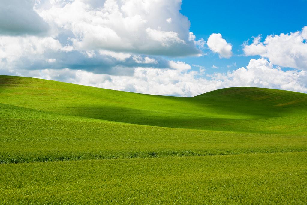 Download Windows Xp Rolling Hills JPG