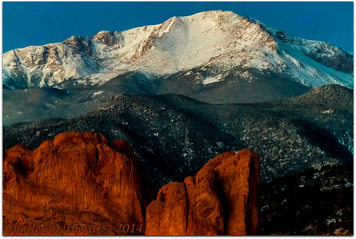 1125 160mm 1div 56 beforesunrise bluehour canon colorado coloradosprings ef28300mm ef28300mmf3556lisusm eos1dmarkiv explore gardenofthegods highiso iso12800 pikespeak redrocks rockymountains snow superzoom telephoto unitedstates usa co explored geo:lat=3888291309 geo:lon=10487192980 geotagged gleneyrie image kissingcamels landscape mesaroad mesaroadoverlook photo red white blue green low light dimlight outdoor rock mountain apsh best wonderful perfect fabulous great pic picture photograph esplora
