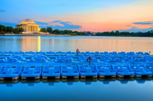travel sunset vacation usa sunlight color monument nature water colors architecture landscape boats golden us dc washington districtofcolumbia agua colorful unitedstates bend natureza historic dourado explore national viagem vista northamerica sight cor hdr geographic beatiful nationalmonument ferias estadosunidos tidalbasin naturephotography thomasjeffersonmemorial americadonorte nikond7000 nikonafsdxnikkor1685mmf3556gedvr luishenriqueboucault