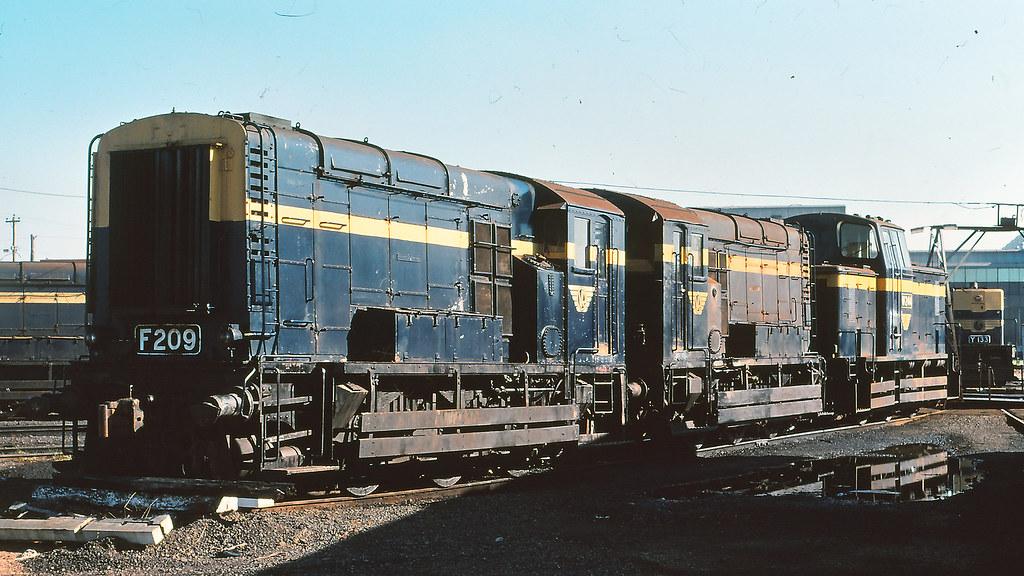 VR_BOX003S08 - F209 at South Dynon loco depot by michaelgreenhill
