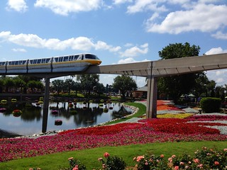 Yet another gratuitous monorail shot | by Erin *~*~*