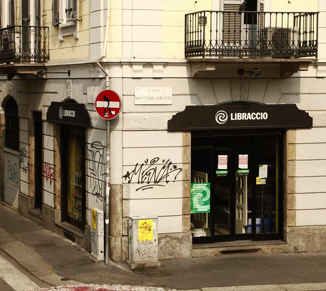 Milano-StreetFurniture-NaviglioGrande