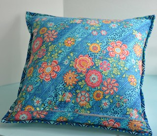 New York Beauty Pillow - back