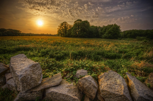 sunset sun field grass clouds river landscape ma golden town rocks glow pentax country colonial newengland fields glowing indians fairhaven dartmouth hdr colony k5 massasoit wampanoag towne acushnet tonemapped pentaxart hamlinstreet cushenagg cushnet ponegansetts