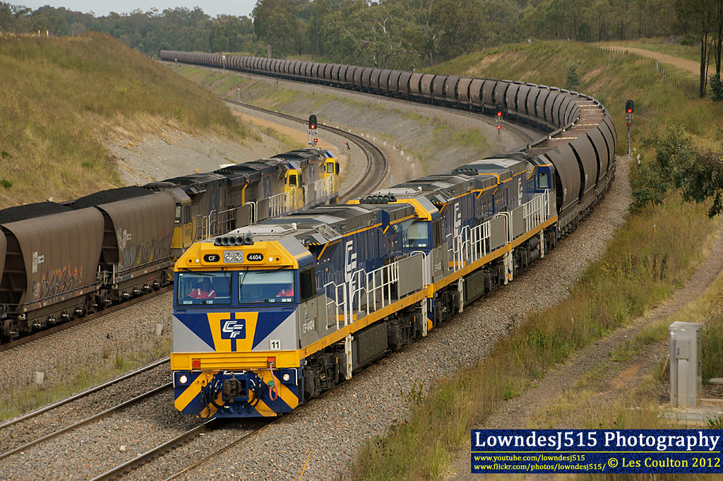 CF4404, CF4406 & CF4405 at Minimbah by LowndesJ515
