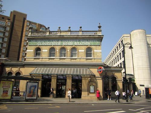 Gloucester Station, London   by La Citta Vita
