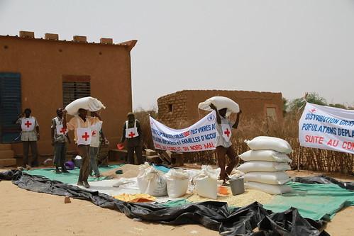 Matfordelingssenter i Mangaizé | by Utenriksdept
