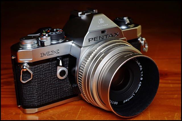 Pentax MX with SMC Pentax-FA 43/1.9 Ltd.