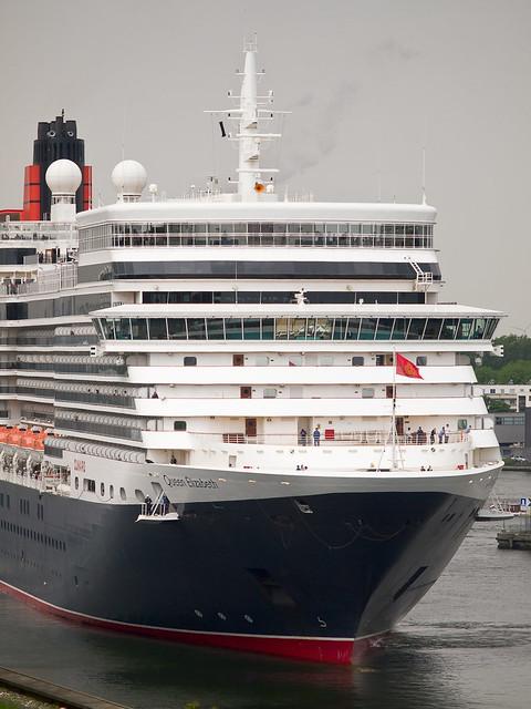Queen Elizabeth cruiseship