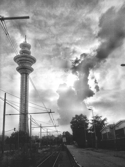 la torre e la nuvola - the tower and the cloud