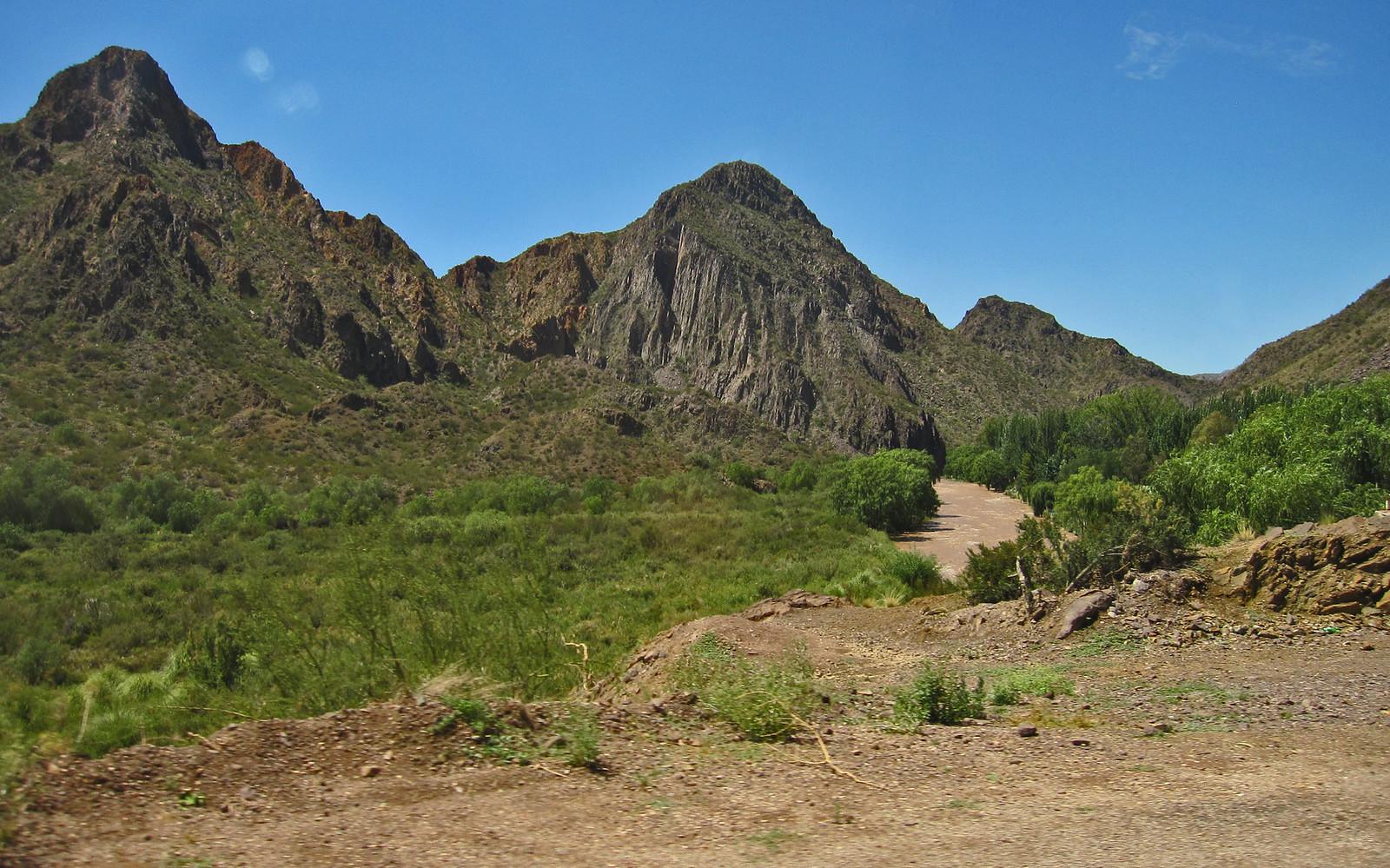 Mendoza 575