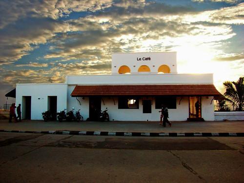 Le Cafe, Pondicherry   by Rashi Kalra