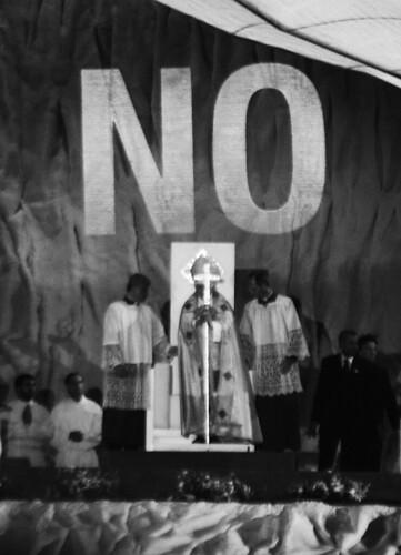 'NO proyectado sobre el Papa' (I) | by Espacio Off Limits Madrid