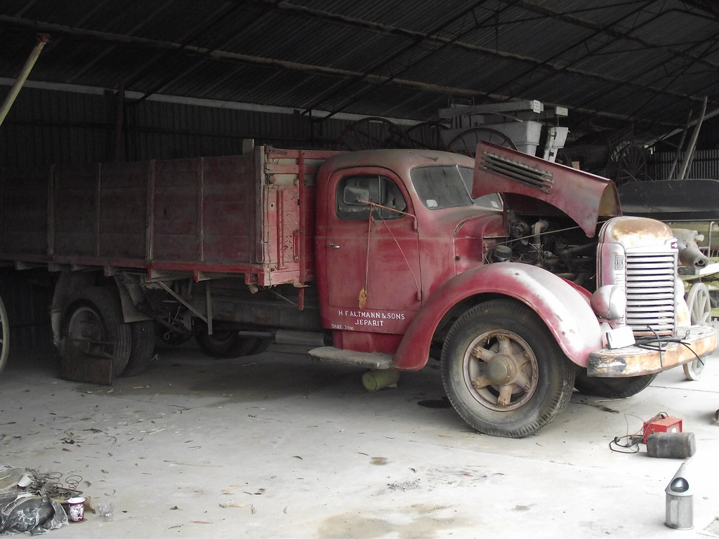 1949 International Truck | Another Truck waiting to be resto
