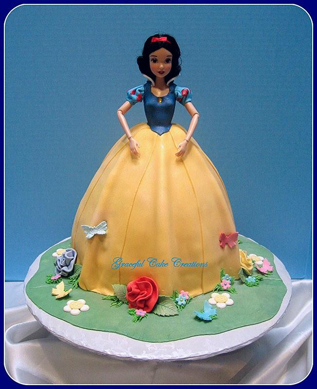 Peachy Snow White Birthday Cake 3D Snow White Birthday Cake Flickr Birthday Cards Printable Nowaargucafe Filternl