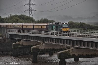 68016 & 68017 Louchor this morning with The Welsh Dragon Northern Belle. Awful weather so pleased with the results considering